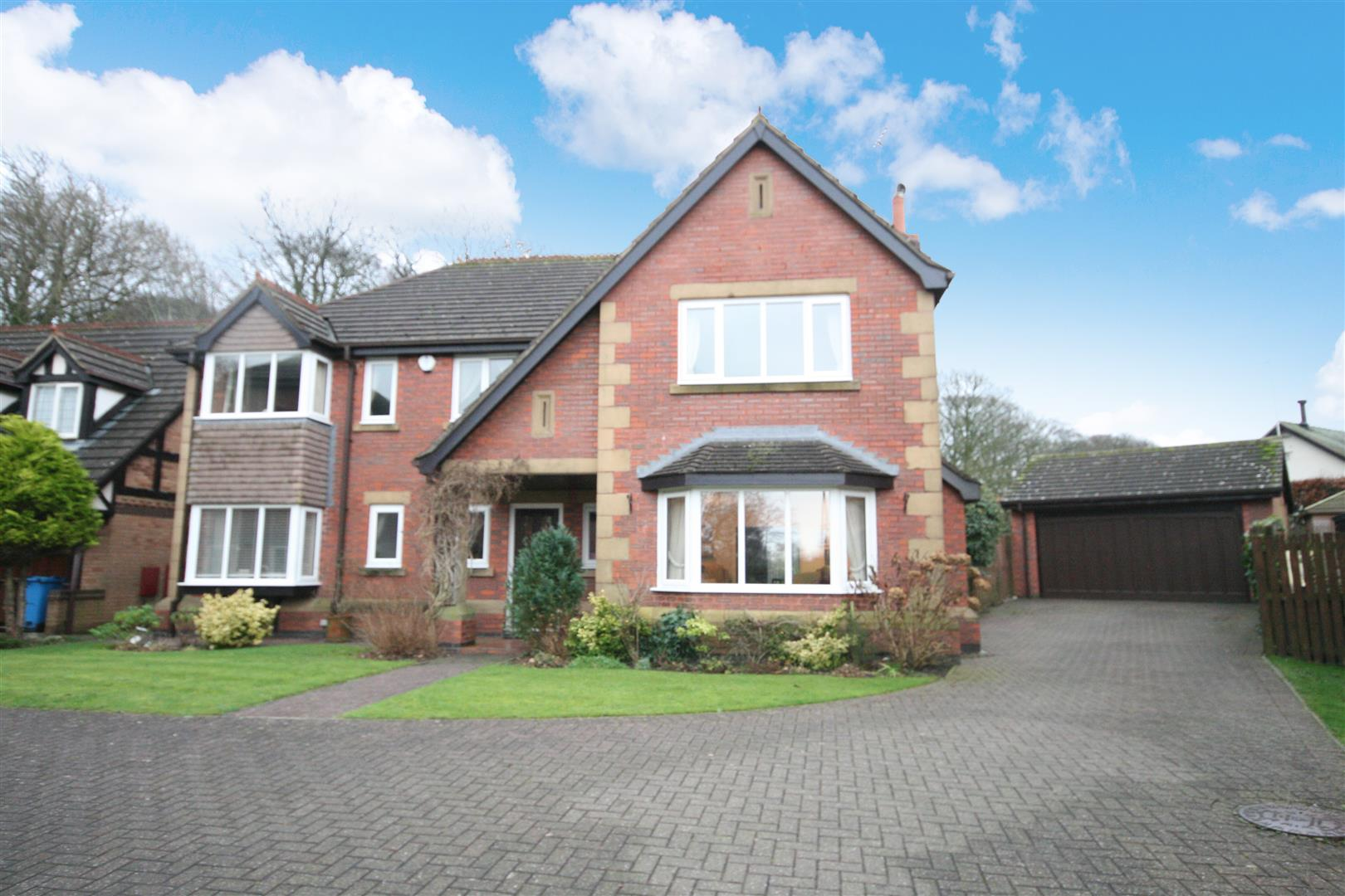 5 Bedrooms Detached House for sale in Vicarage Close, Wrea Green, Preston